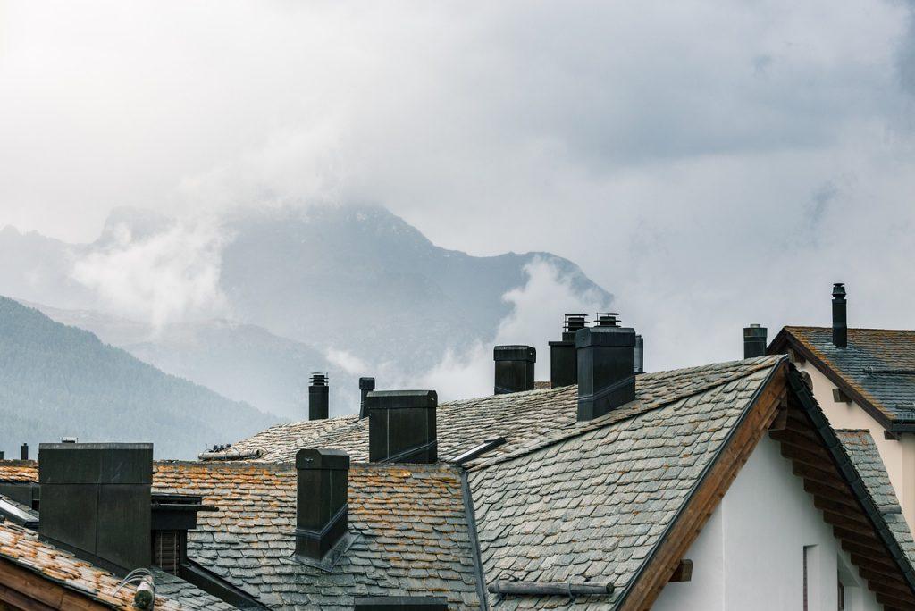 Silvaplana Engadin Roof Tiles - scratsmacker / Pixabay