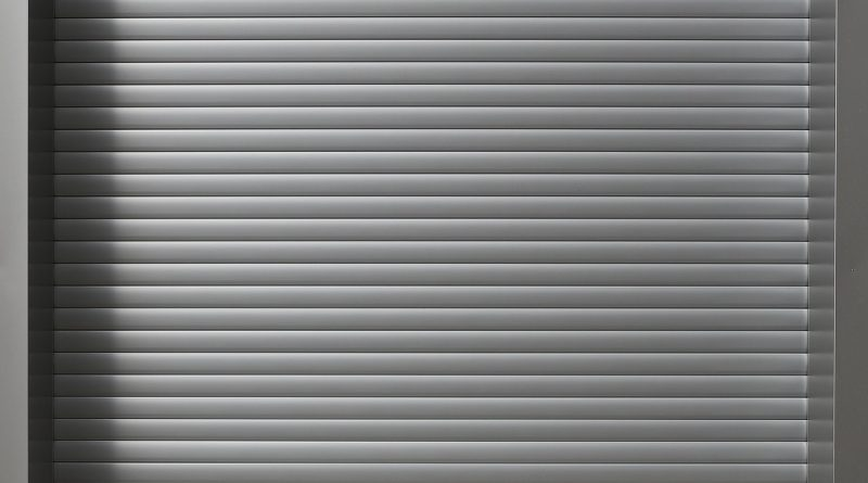 Roll Up Door Garage Door  - anaterate / Pixabay